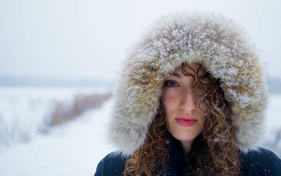 chica en la nieve